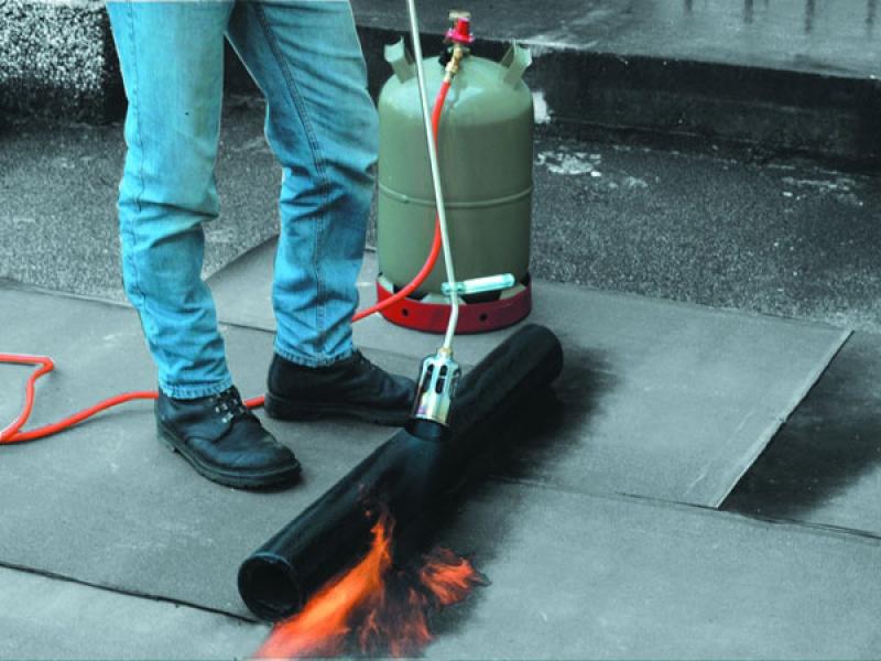Газовая горелка для кровельных работ