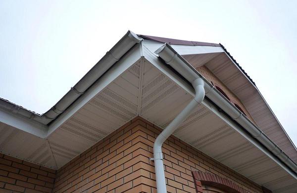 Слив для крыши